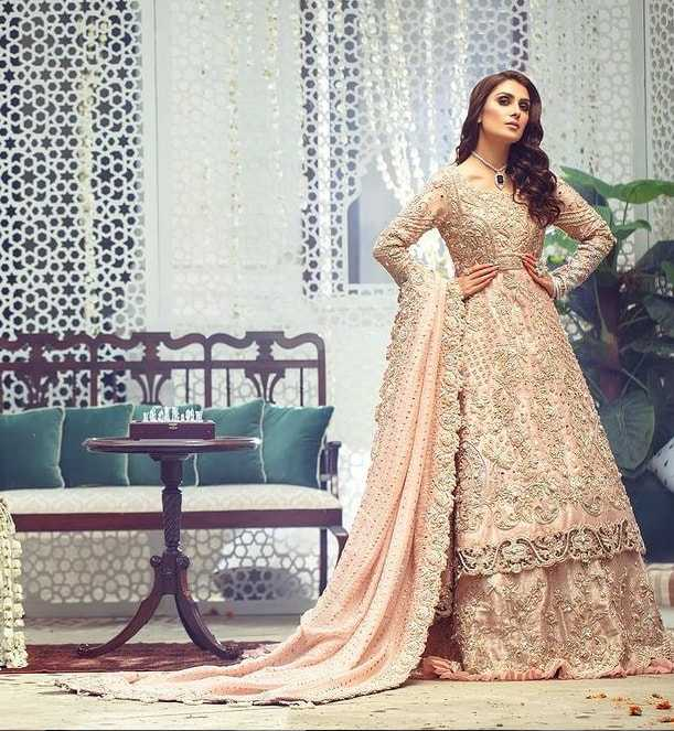 Ayeza Khan's fashion sense-8