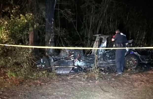 Crashed Car-1