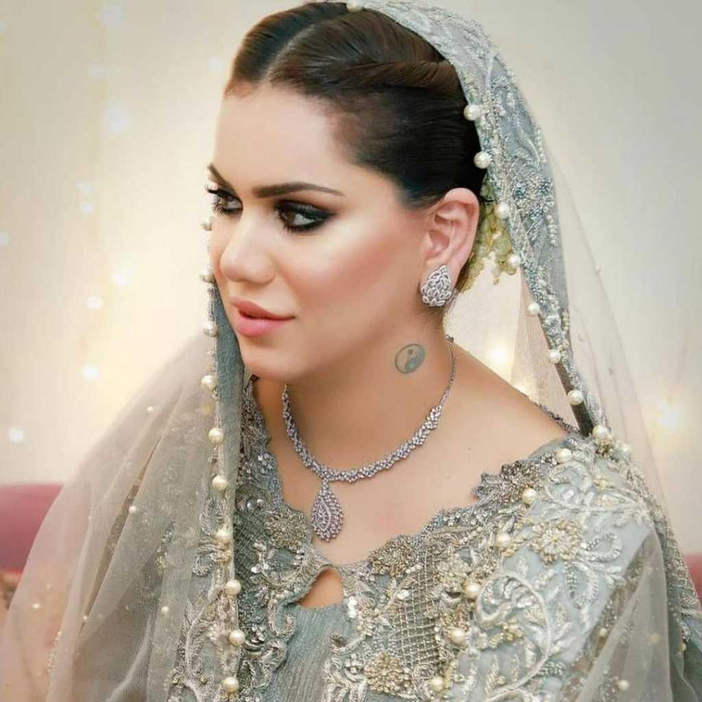 ghana ali in bridal dress