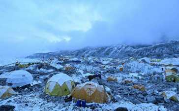 COVID crisis on Mount Everest