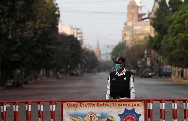 Complete lockdown imposed in Karachi