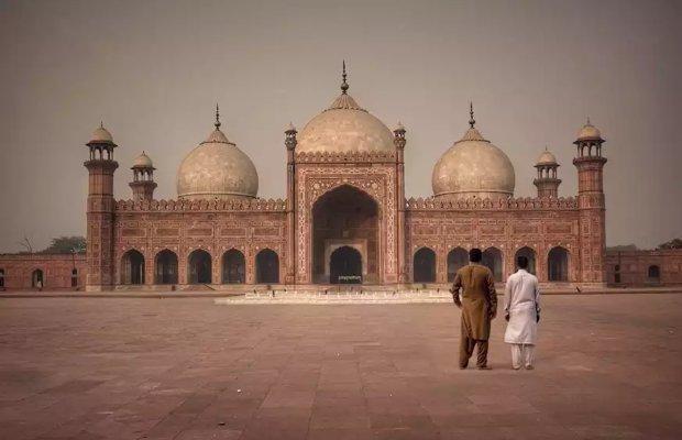 Badshahi Mosque'
