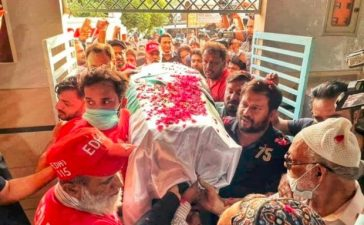 Umer Sharif's coffin